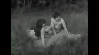 2X2AR1 Vintage Nudists